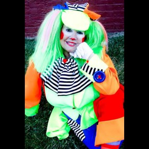Delaware Street Magician | Miss Dee The Clown & Magician