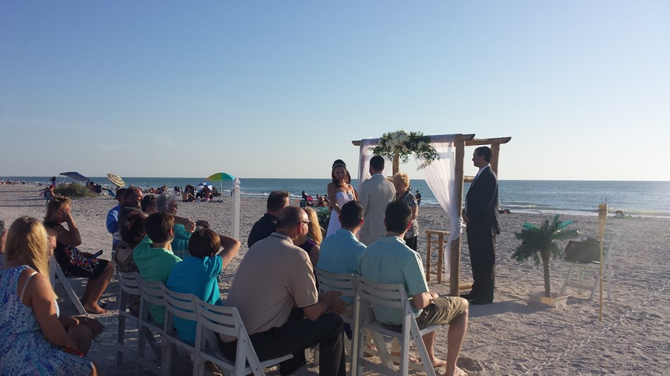 Beach Ceremony? We can help !