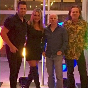 Glen Ellen Cover Band | Rolling Heads
