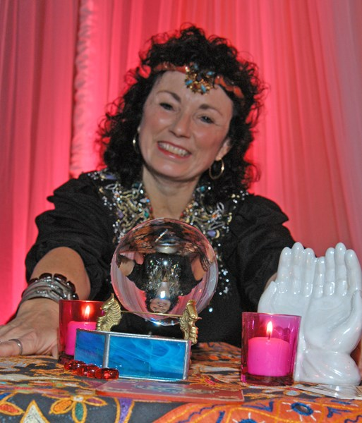 Mariel the Palm Reader and Psychic Tarot  - Palm Reader - Portland, OR