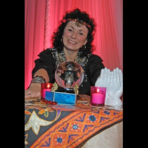 Pullman Fortune Teller | Mariel the Palm Reader and Psychic Tarot