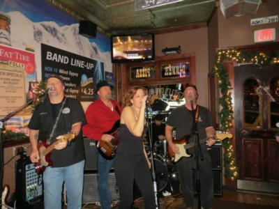S.N.A.F.U. Band Chicago | Carpentersville, IL | Honky Tonk Band | Photo #10