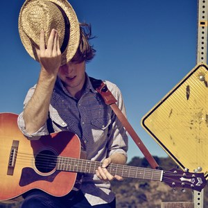 Tulare Folk Singer | Will Hutchinson