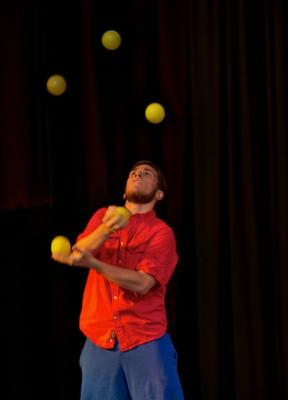 Kyle Johnson | Oakland, CA | Juggler | Photo #1
