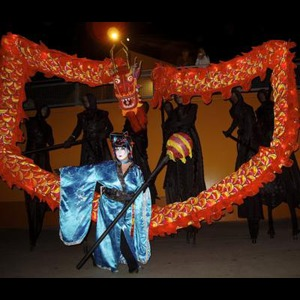 Bellevue Stilt Walker | Stilt Circus
