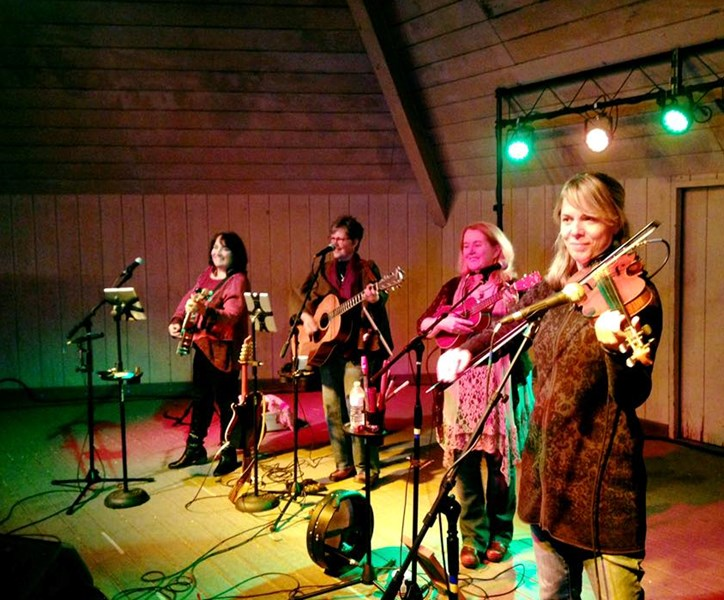 The Kelly Girls & myMUSICVisions - Celtic Band - Groton, MA