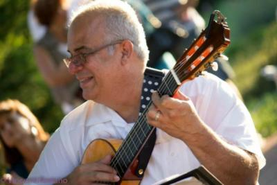 Hector Fernandez Music Inc. | Chicago, IL | Flamenco Guitar | Photo #15