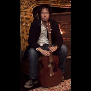 White Marsh Acoustic Guitarist | Steve Hung