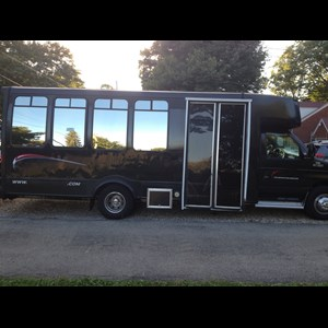Mahoning Party Limo | Dynomyte Entertainment
