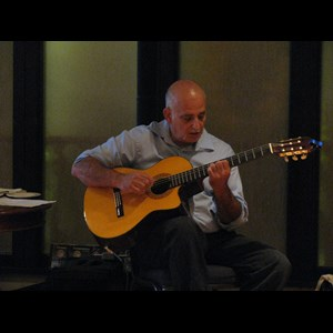 Goodells Acoustic Guitarist | Classical Guitar Sensations
