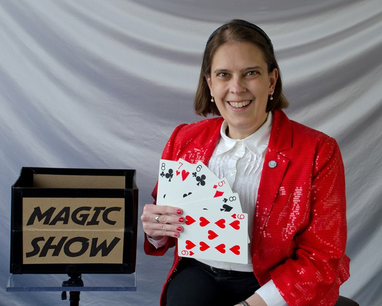 Proximity Illusions with Carrie Rostollan - Magician - Auburn, MI