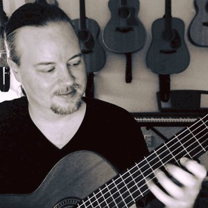 Robertson Acoustic Guitarist | Scott J Simon