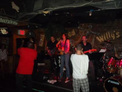 Lori Behrman Band | Brooklyn, NY | Cover Band | Photo #10