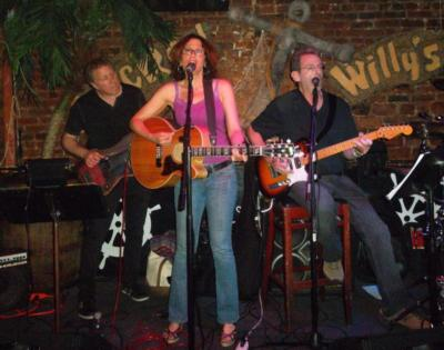 Lori Behrman Band | Brooklyn, NY | Cover Band | Photo #7