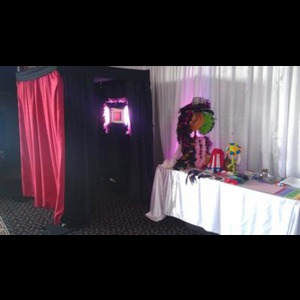 Tacoma Photo Booth | Viral Booth