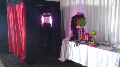 Viral Booth | Tacoma, WA | Photo Booth Rental | Photo #1