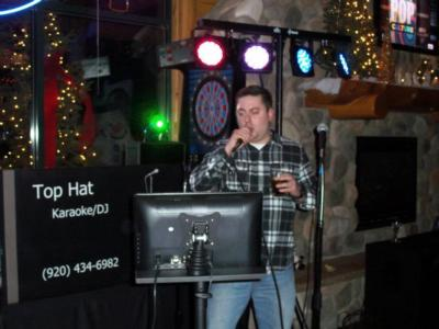 Top Hat Entertainment | Green Bay, WI | Karaoke DJ | Photo #4