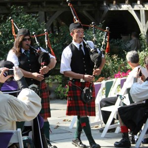 Elizabethtown Bagpiper | Two Pipers Piping