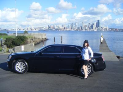 Lady in a Limo LLL | Seattle, WA | Party Bus | Photo #2