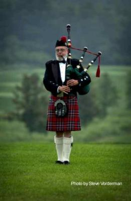 Piper, Norm Weaver | Anchorage, AK | Bagpipes | Photo #1