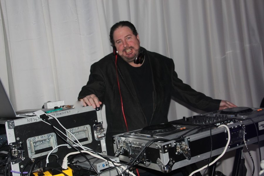 New York Entertainment - Mobile DJ - Holland, PA