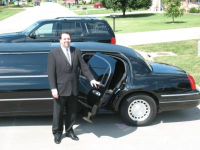 Barton Limousine | Highland, IL | Stretch Limousine | Photo #4