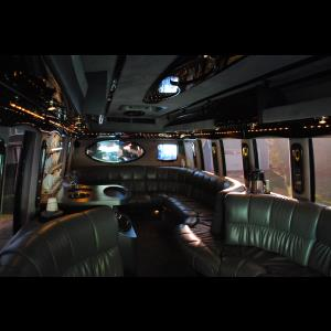 WOW Limo ~20 Passenger Luxury Coach Limo Party Bus - Party Bus - Lake Geneva, WI