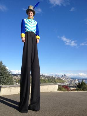 Mickey Rowe Entertainment | Ashland, OR | Stilt Walker | Photo #12