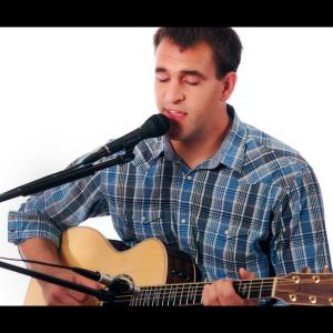 Spencer Acoustic Guitarist | Rob Ranney