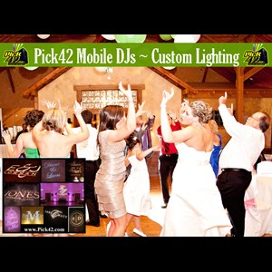 Huntersville Wedding DJ | Pick 42 Mobile DJs