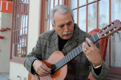 Carlos Gonzales  | Ventura, CA | Classical Guitar | Photo #20