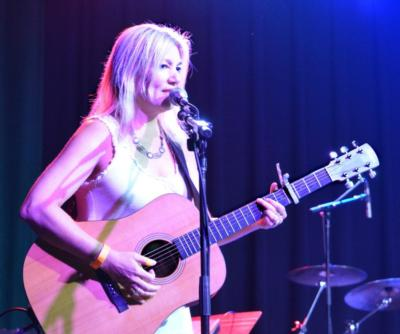 Eva James | Tullahoma, TN | Acoustic Guitar | Photo #2