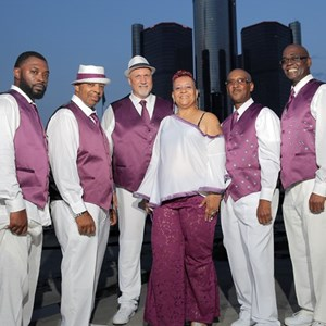 Detroit, MI R&B Band | DENISE DAVIS AND THE MOTOR CITY SENSATIONS