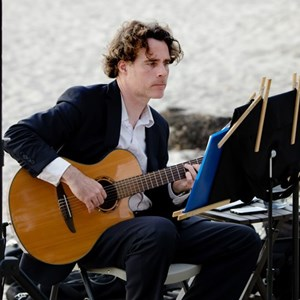 Fairfield Acoustic Guitarist | Brian Callaghan