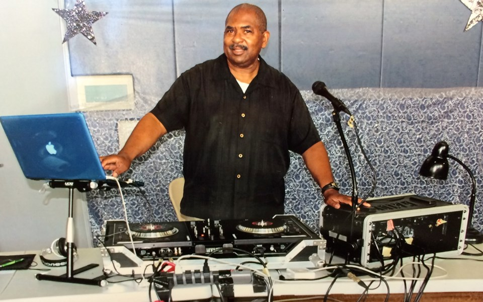 TSOB Entertainment   DJ Dr. Love  - DJ - Linden, NJ