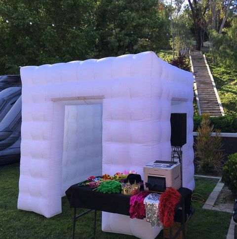 Enclosed Light Up Photo Booth