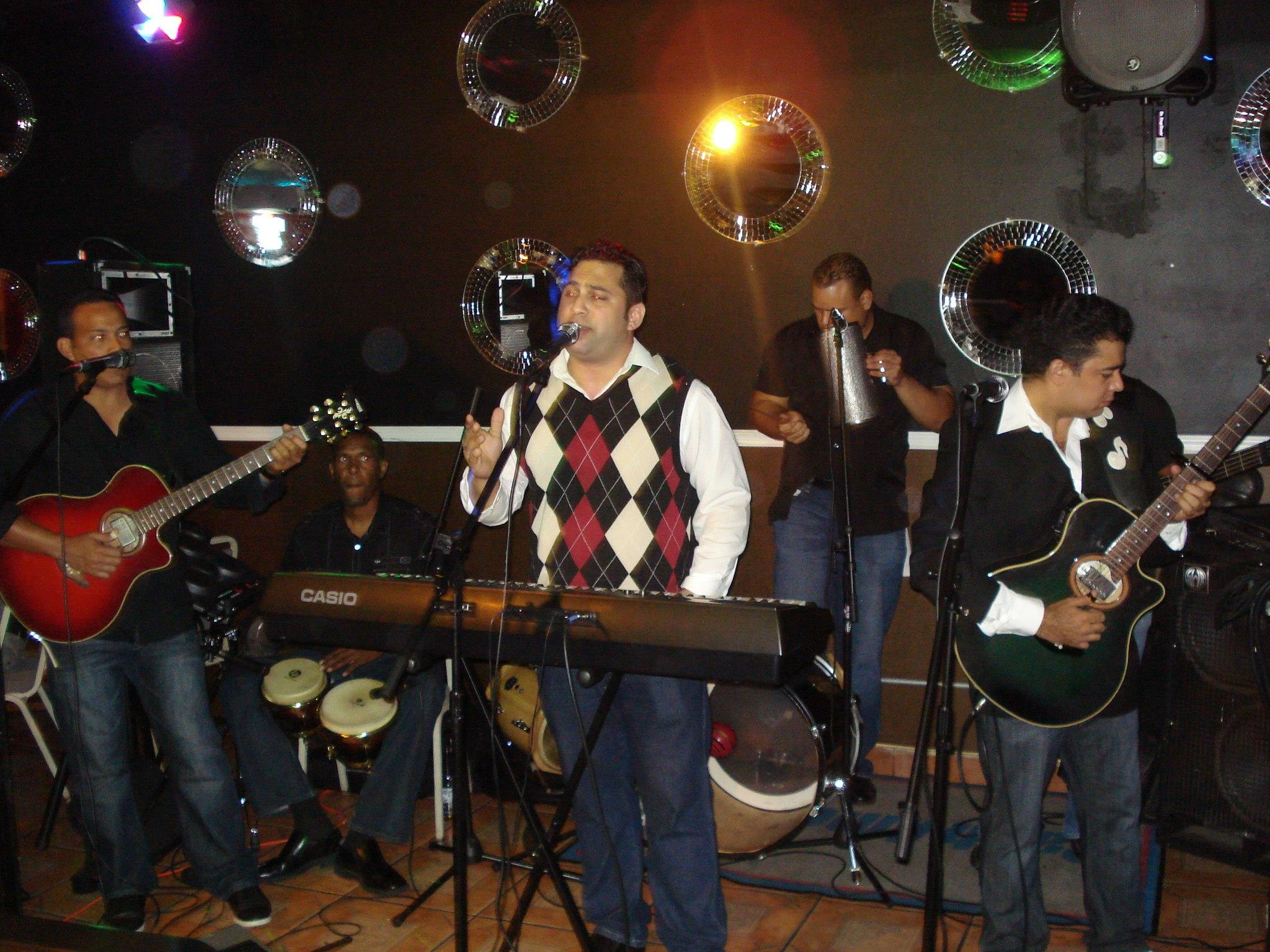 Bachata Mix Band