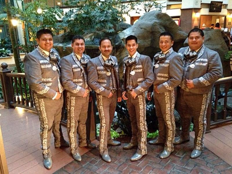Mariachi Gallos De Oro - Mariachi Band Huntington Park, CA