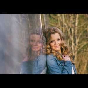 Carbondale Country Band | Madeline Smith
