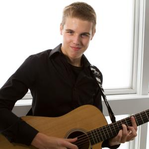 Brownsville Acoustic Guitarist | Jackson Thatcher