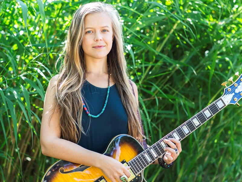 Emily Elbert - Singer Guitarist - Los Angeles, CA