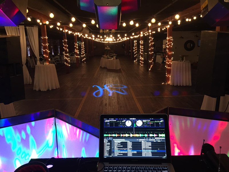 Crowd Pleasers Professional Entertainment - Event DJ - Canton, MS