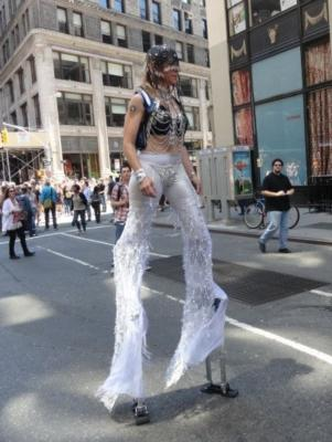 Lady Leggs | New York, NY | Stilt Walker | Photo #4