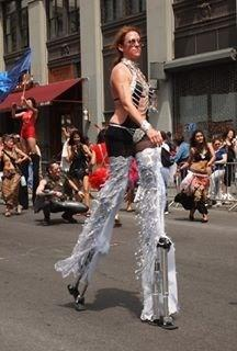 Lady Leggs | New York, NY | Stilt Walker | Photo #17