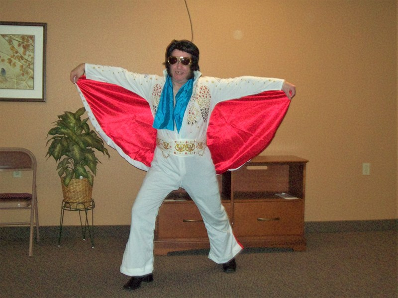 Elvis singing telegrams by Floyd - Elvis Impersonator - Grand Rapids, MI