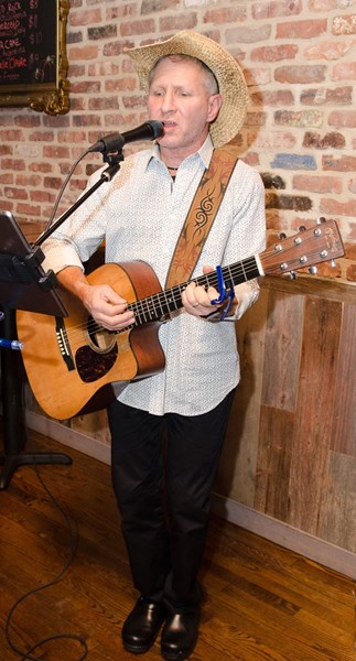 Russell Breiter Acoustic - Acoustic Guitarist - Plainview, NY