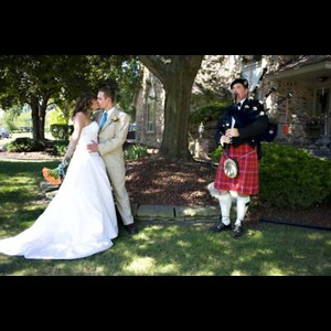 Bay Village Bagpiper | Donald Ross