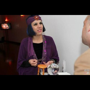 Hillburn Fortune Teller | Sassi The Psychic And Sassi Party Performers