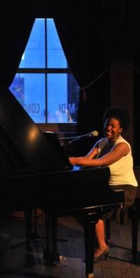 Neisy Wilson | Montreal, QC | Singing Pianist | Photo #4