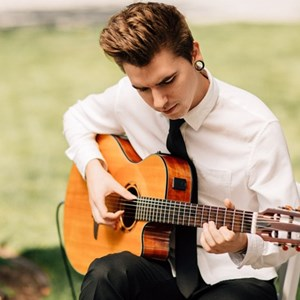 Point Roberts Acoustic Guitarist | Robbie